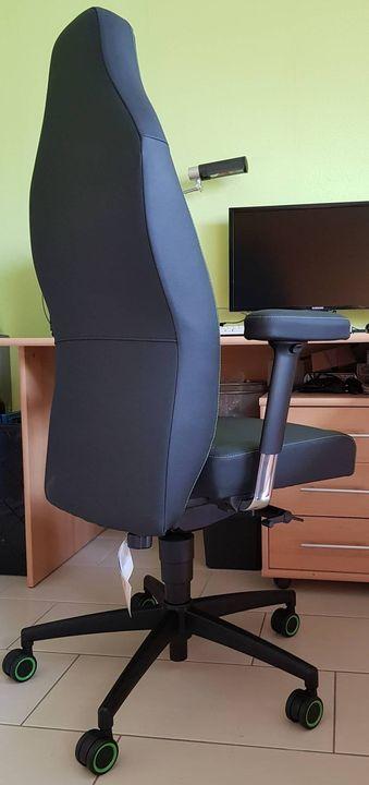 So, des Rätsels Lösung... 😁- keine Drohne...- kein Pilotensitz...Aber ein Sitz für´s Büro... - und was für einer... - 🤩N...